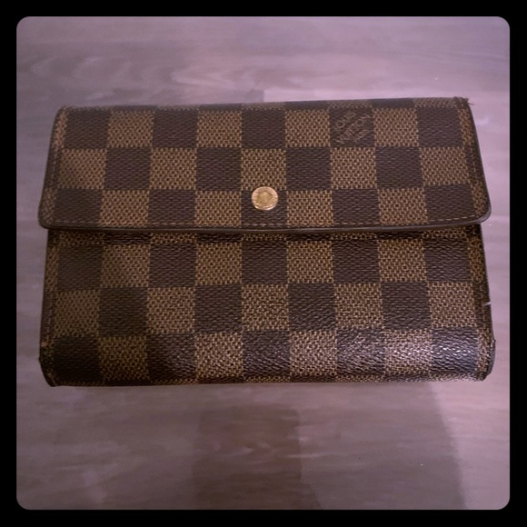 Louis Vuitton Handbags - Louis Vuitton wallet (free shipping)